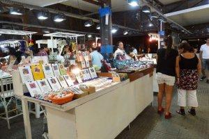 Compras em Punta del Este: Feira de artesanato na Plaza Artigas