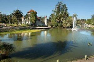 Parque Rodó em Montevidéu: lago e biblioteca infantil