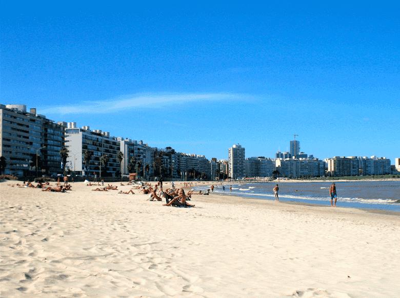 Montevidéu em janeiro: praia