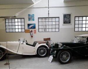 Museo La Antigua Estación em Punta del Este: carros clássicos