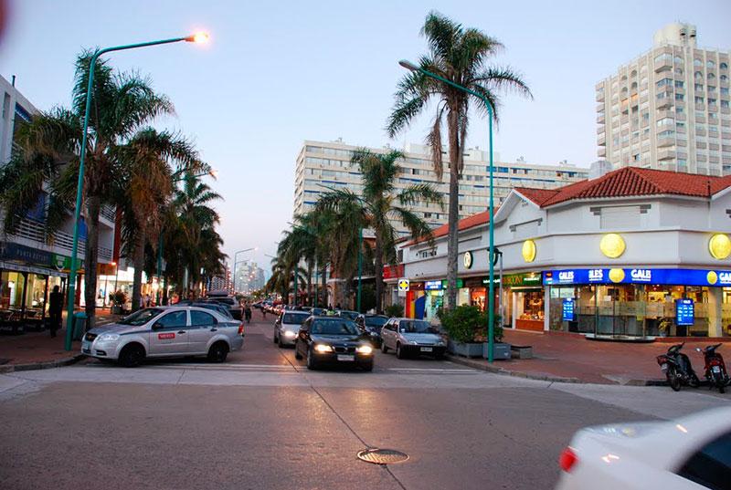 Avenida Gorlero em Punta del Este: O que encontar
