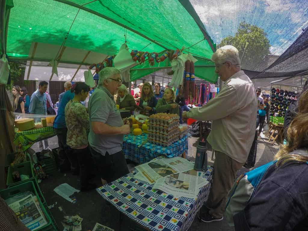 Feira Tristán Narvaja em Montevidéu: comida