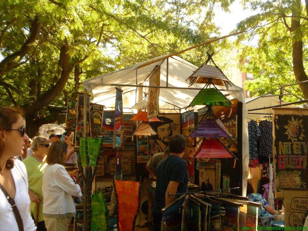 Feira Villa Biarritz em Montevidéu: roupas