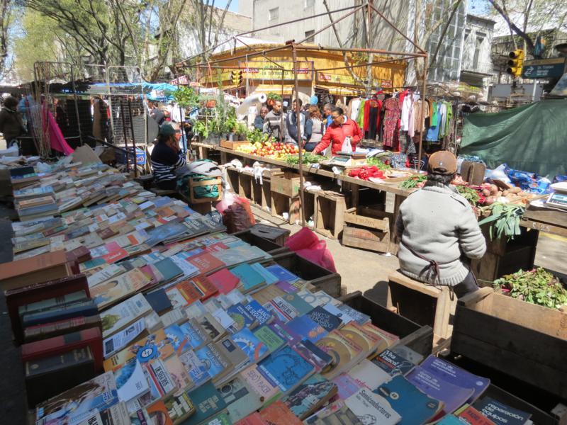 Feiras em Montevidéu: livros