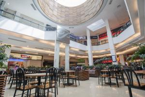 Portones Shopping em Montevidéu: praça de alimentação