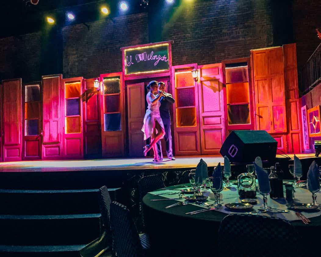Show de tango El Milongón em Montevidéu: dança