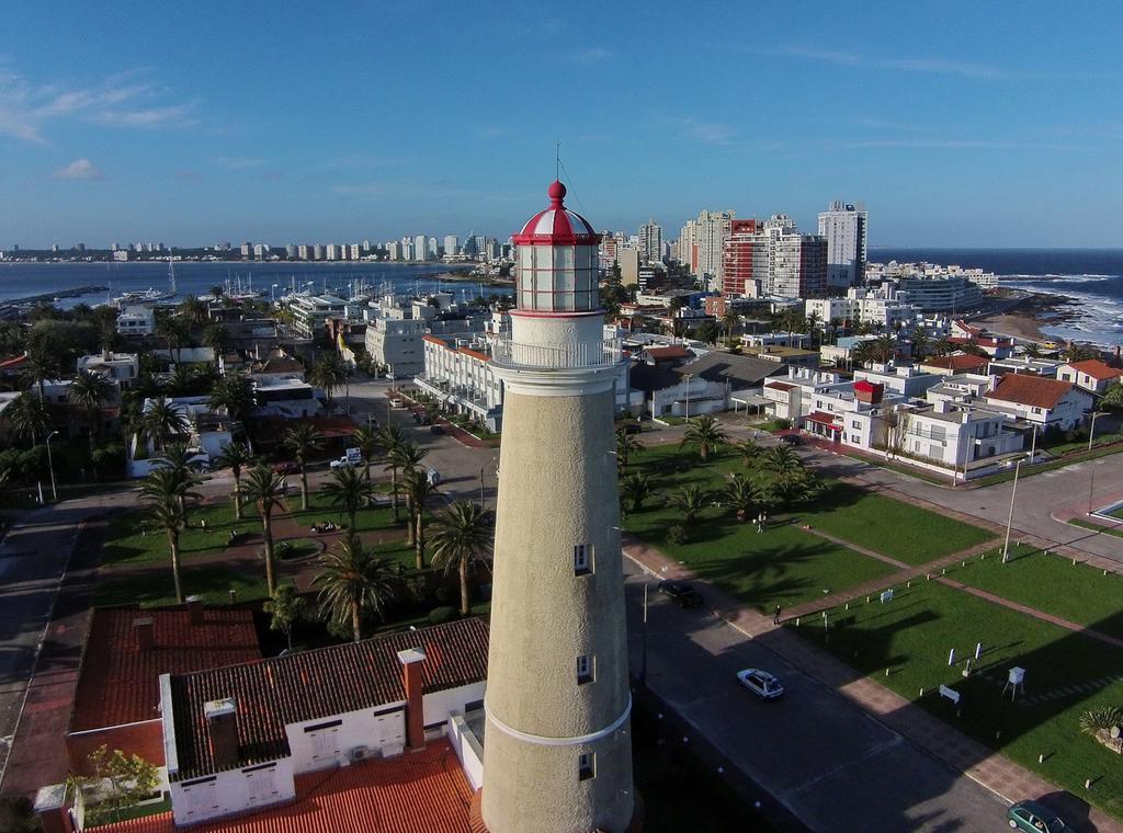 Remessas internacionais para Punta del Este: Farol de Punta del Este