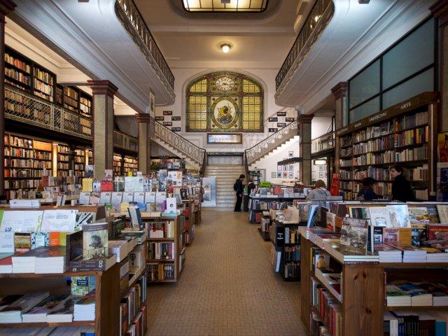 Livraria Más Puro Verso em Montevidéu: interior