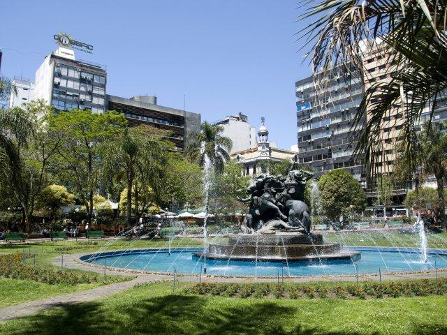 Plaza Fabini em Montevidéu