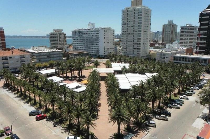 Pontos turísticos para deficientes físicos no Uruguai: Plaza General Artigas